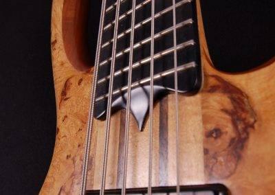 Rikkers Bodyline end of fingerboard