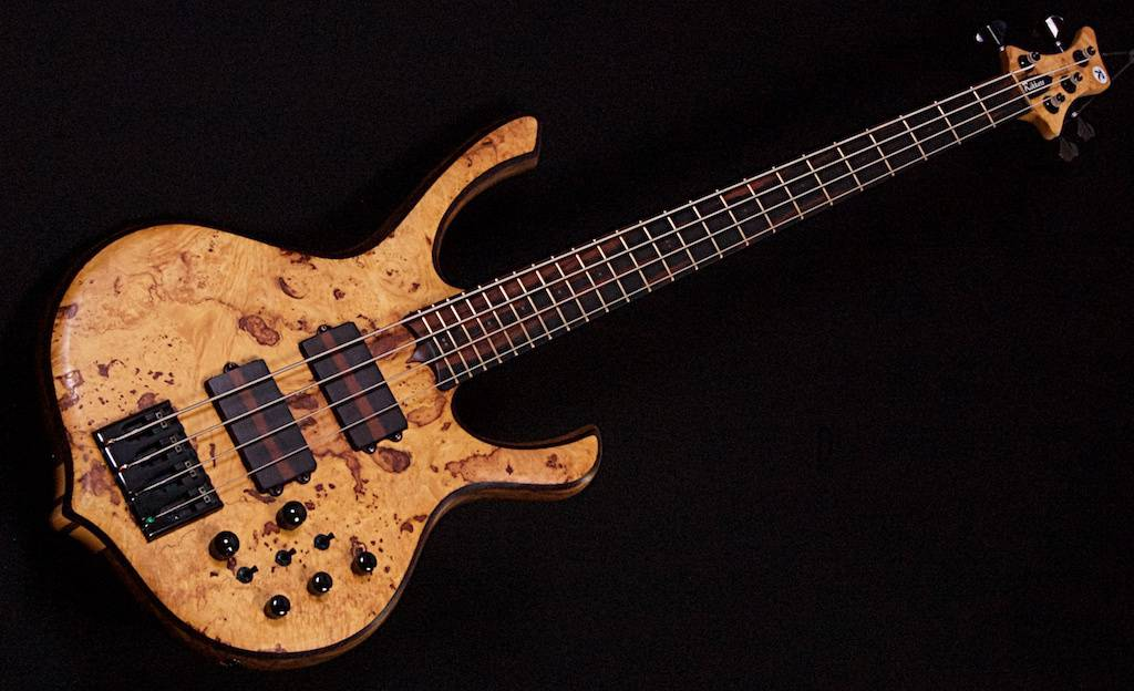 Rikkers Bodyline Burl Maple 4-snaar
