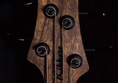 Hollowline 4-string Headstock